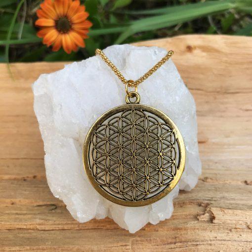 Medallón flor de la vida dorado