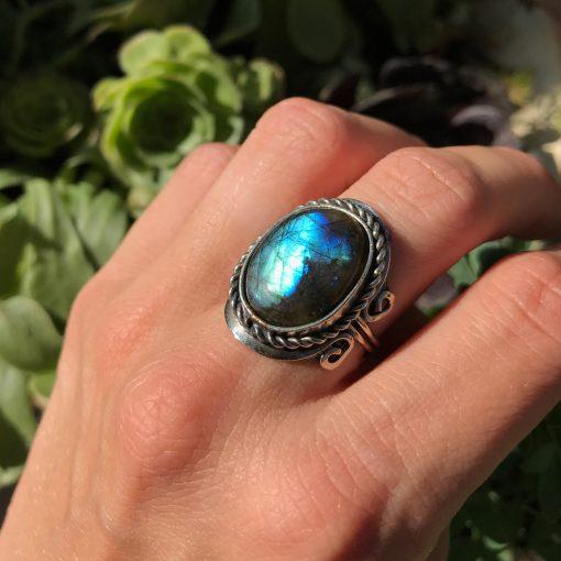 anillo labradorita